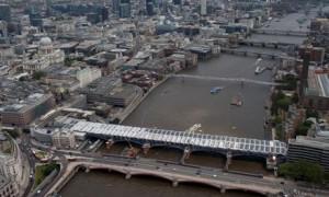 Установка солнечных панелей в 2012 году. Фото: Network Rail