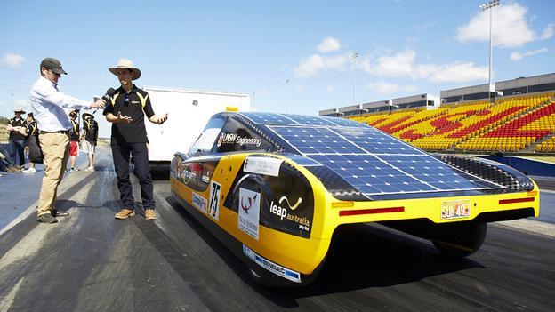 Солнечные панели на Sunswift_eVe