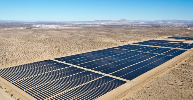 Расположенный в Сан Бернардино, штат Калифорния, проект Виктора Фелана является одним из шести проектов по возобновляемой энергетике, который привлек внимание руководства Google в 2013 году.