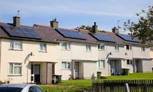 Солнечные панели на крышах английских домов