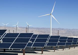 Цена солнечной и ветровой энергии снижается