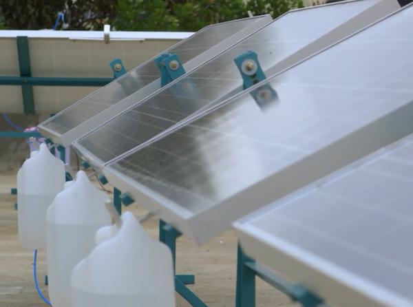 Водяной трекер SunSaluter для солнечных установок