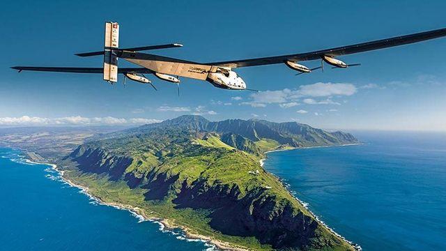 Solar Impulse 2 завершил перелет над Тихим океаном