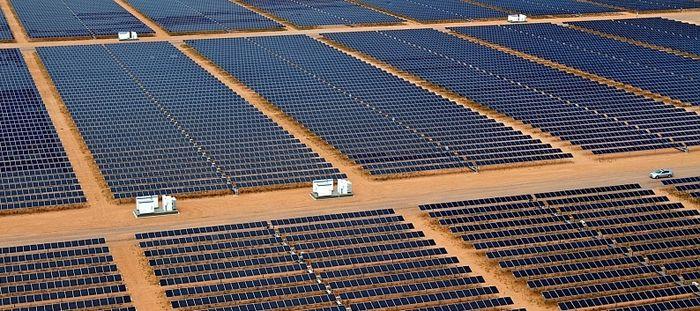 Крупная солнечная электростанция
