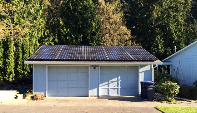 В Вашингтоне устанавливают солнечные батареи беднякам