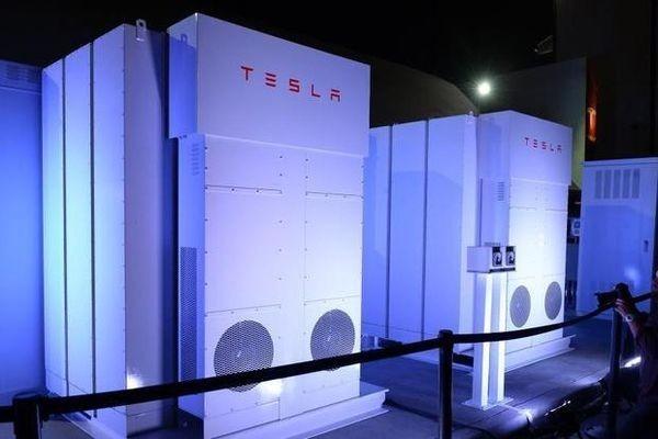 Аккумуляторы Тесла в офисные здания