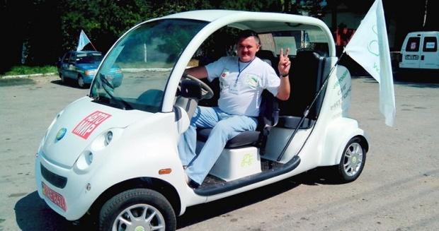 Михаил Демурия и его электромобиль
