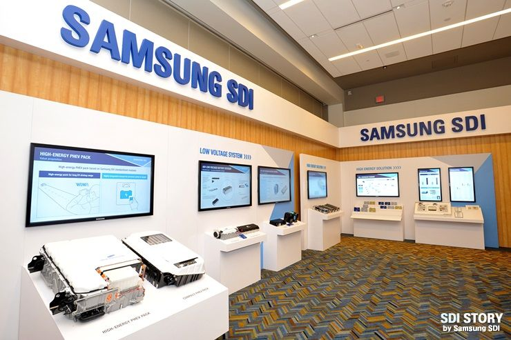 Стенд Samsung SDI на выставке в Детройте