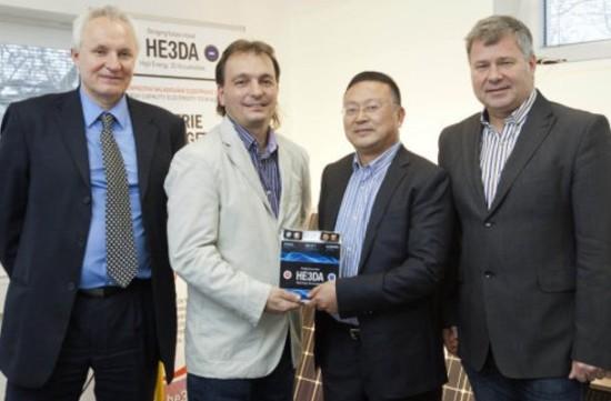 Чешский ученый изобрел новый тип Li-Ion аккумулятора