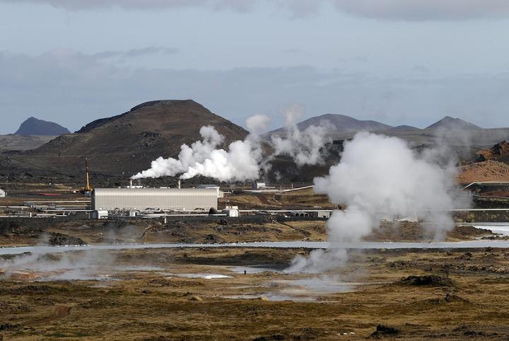 Геотермальная электростанция Reykjanes на южном полуострове Исландии