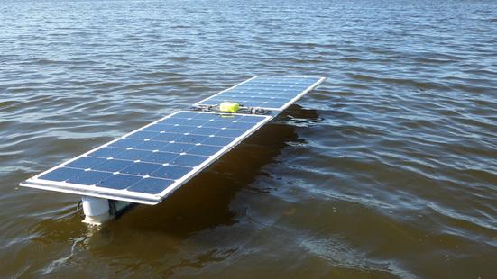 Беспилотная лодка на солнечных батареях