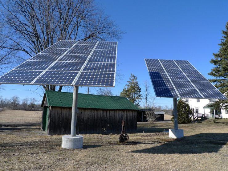 Солнечные панели в деревне
