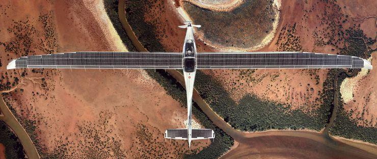 Стратосферный самолет на солнечной энергии