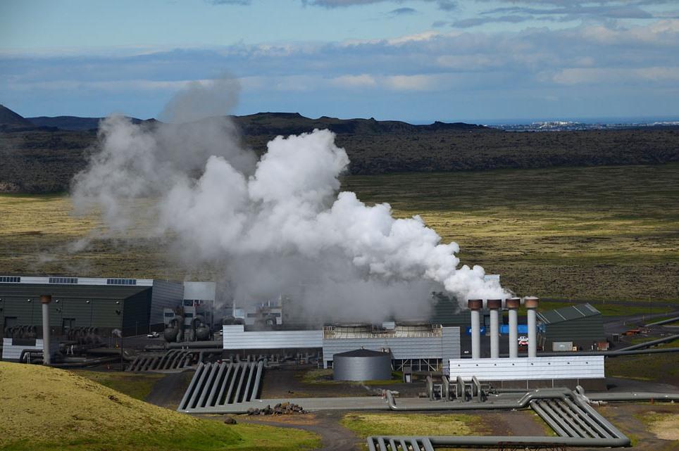 Гидротермальные и паротермальные источники, их виды и особенности