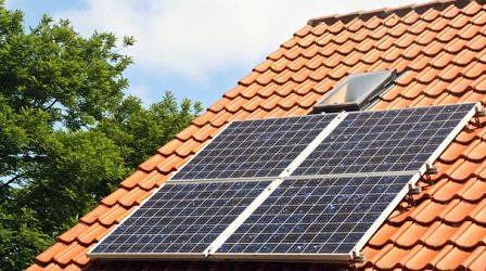 Какие внешние факторы влияют на срок окупаемости солнечных батарей для дома?