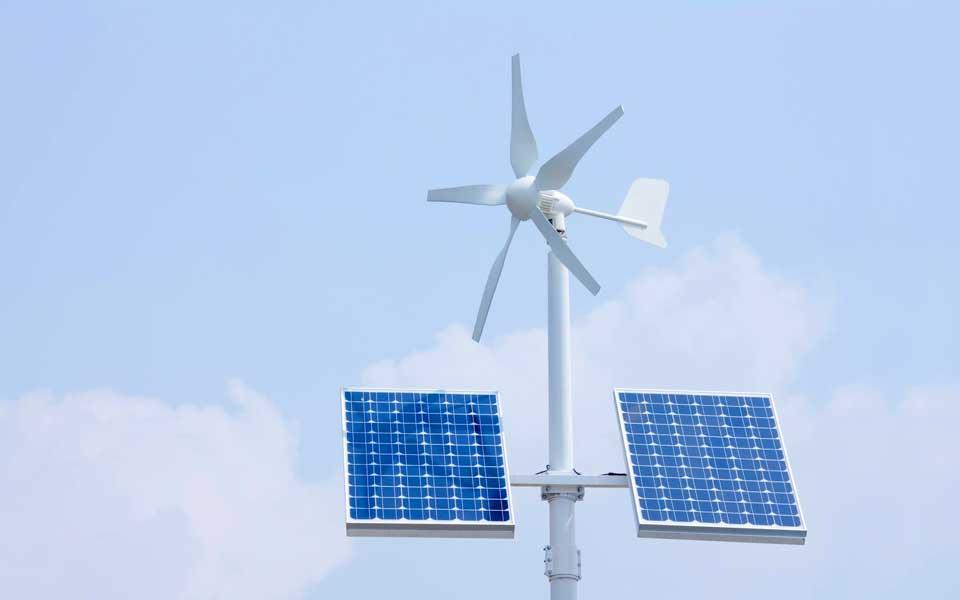 Ветрогенератор или солнечные батареи: что лучше предпочесть для альтернативного энергоснабжения