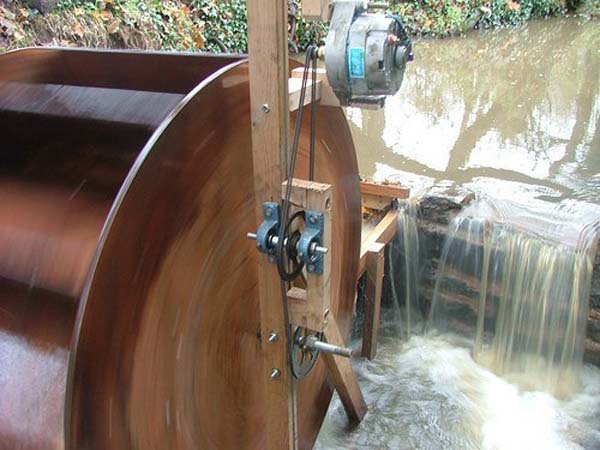 Особенности сборки мини-ГЭС из автомобильного генератора